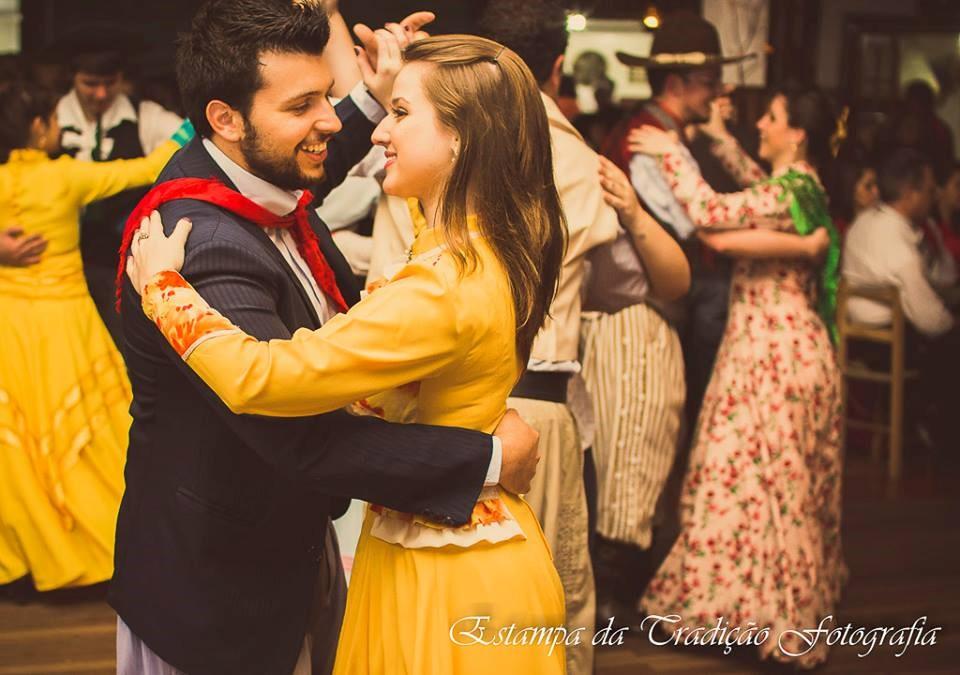 baile à moda antiga brazão